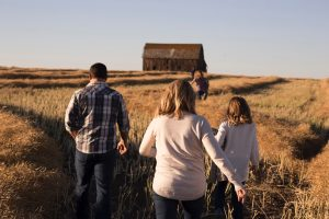 Maintaining good family relationship when moving abroad