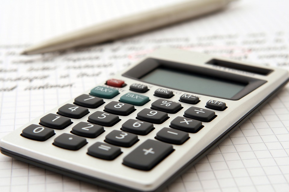 use the Calculator to Calculate the Moving Budget
