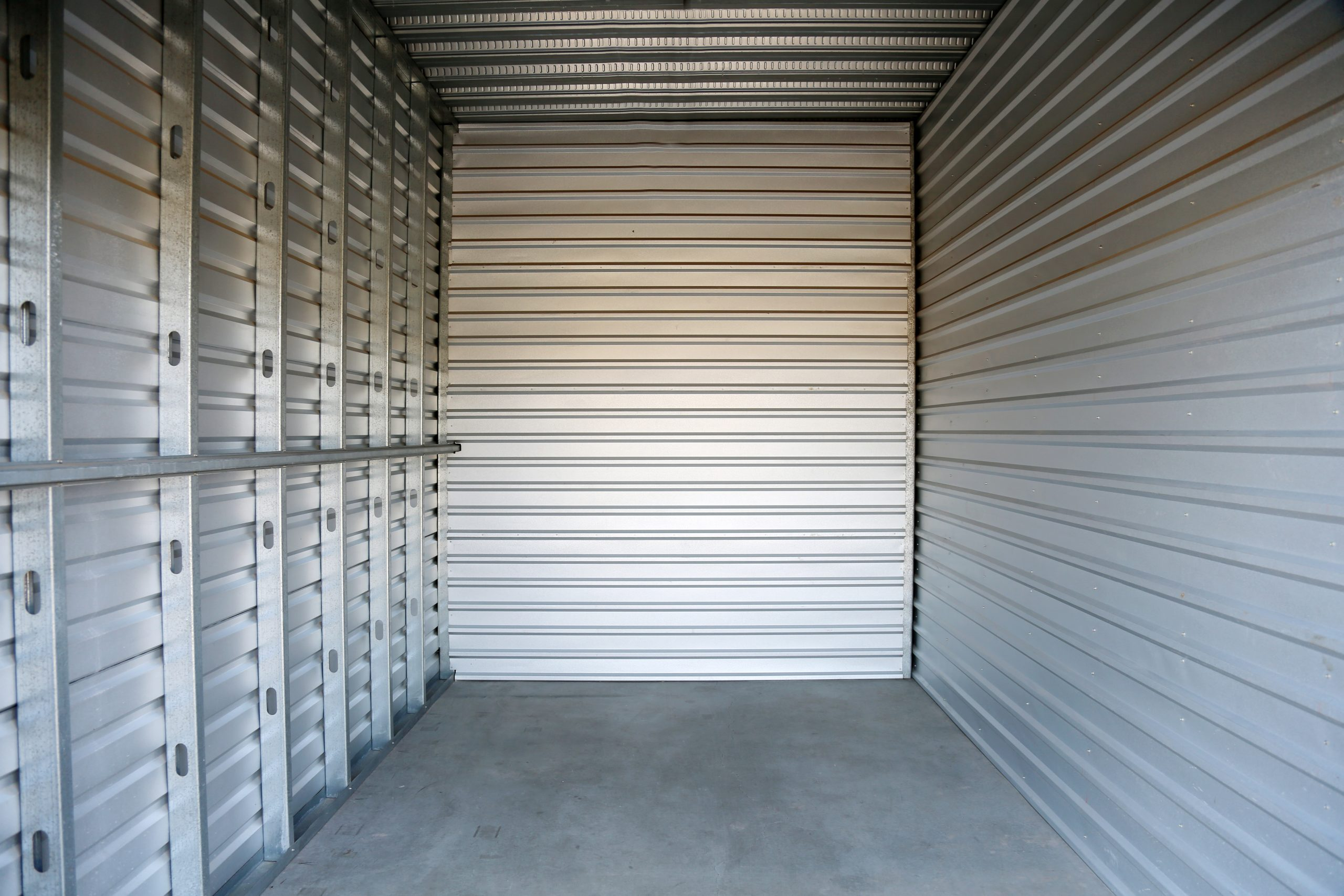Traditional Movers Can Keep Your Belongings in a Storage Unit