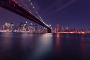 Brooklyn bridge and NYC skyline - a home of reputable Brooklyn movers