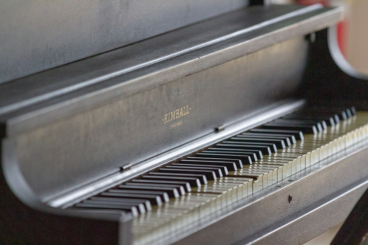 damaged piano keys