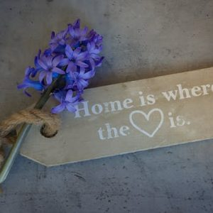 How to add a personal touch to a new home
