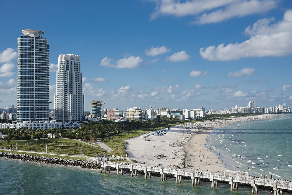 Miami beach - one of the top moving destinations for New Yorkers