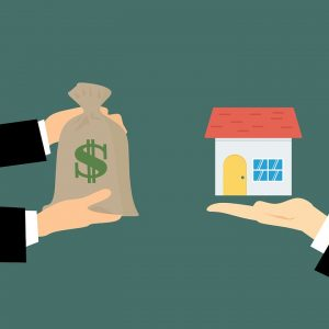 Selling a house prior to the move-everything you need to know