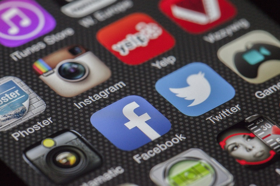 Social Media Can Help You Find a Job After Moving to Another State